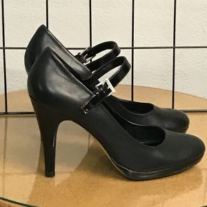 Franco Sarto Black Pumps/ Heels